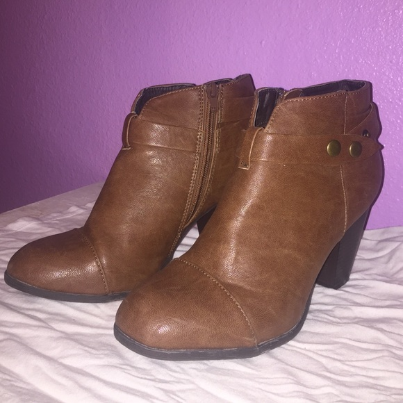 36 american eagle by payless shoes brown ankle