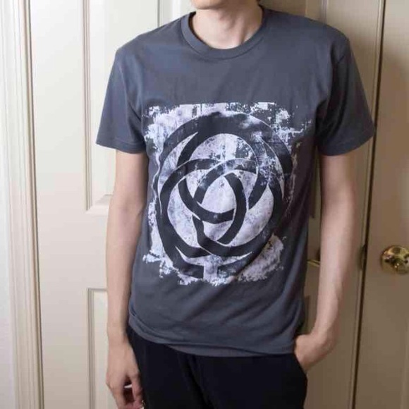 Urban Outfitters Shirts - Mens Gray Graphic Tshirt Celtic Circle Grunge Punk