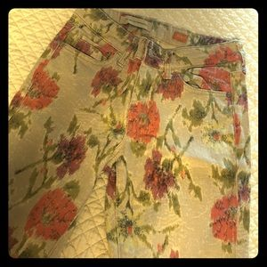 Anthropologie floral patterned jeans! Size 27