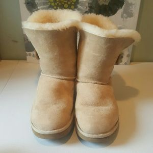ffcdc91af6e Classic Cuff Sand Ugg Boot with Sand Fur