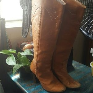 Vintage Leather Cowgirl detailed boots