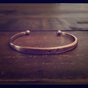 Jewelry - Rosegold Love Cuff Statement Bracelet