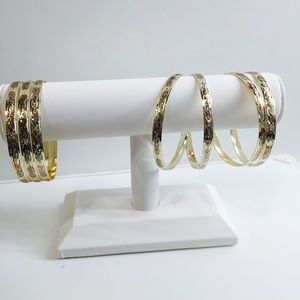 Jewelry - Jewelry Display white leatherette 1pc