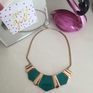 ⛔️🌟Emerald Statement Necklace!🌟⛔️