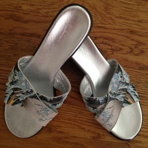 ICON Shoes - Icon sandals Great Wave off Kanagawa size 8