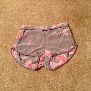 Loose Floral Shorts