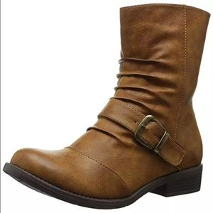 SZ 8 left!  Tan Vegan Leather Ankle Boots! NEW!