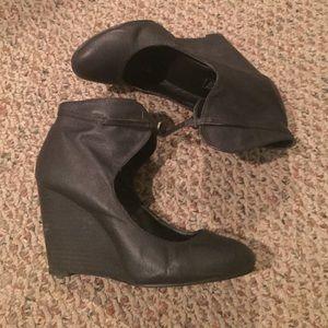 Deena & Ozzy Wedge Heels