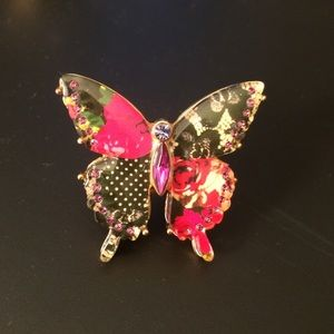 Betsey Johnson RARE crystal butterfly ring