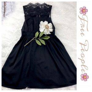 Free People Dresses & Skirts - 💞SALE💞 Free People Black Lacey Dress