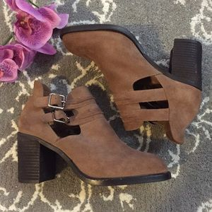 Jeffrey Campbell Shoes - NWOT Jeffrey Campbell Suede Booties