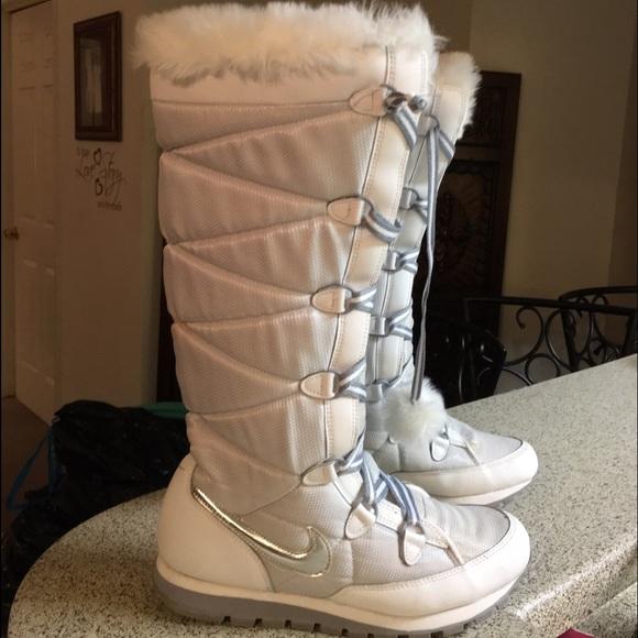 Women s Tall Nike White Gray Snow Boots Sz 8. M 57be717a713fdefa4b0105f0 cab82cab67