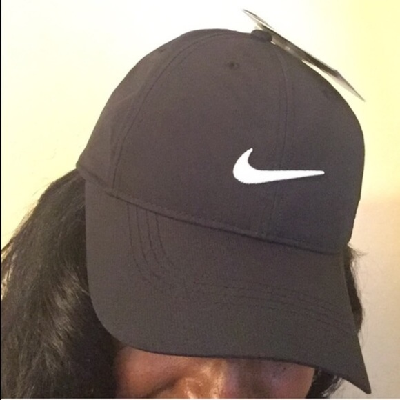 0ef058140f59b Nike Golf Adult Cap. Found Another One!!! 👌🏽