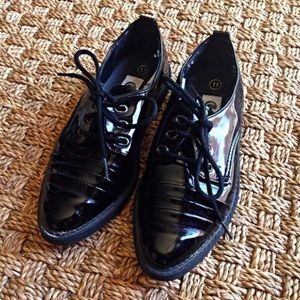 Coasters Other - Coasters Black Patent Dress Shoes 11