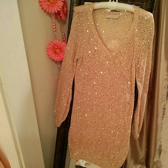 24de1f923e Stunning Stella McCartney gold sequin dress. M 57bf129b4e8d172c2e00402d