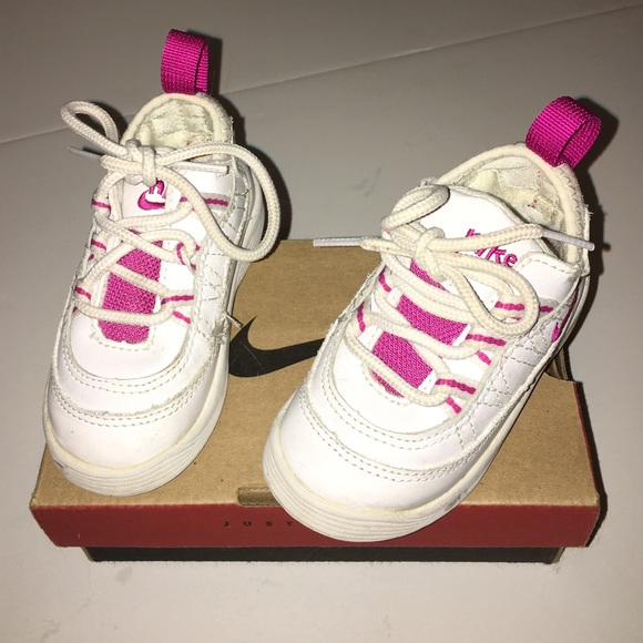 6039e235d14 Sale Pre💖Loved 6c Toddler NIKE Tennis Shoes