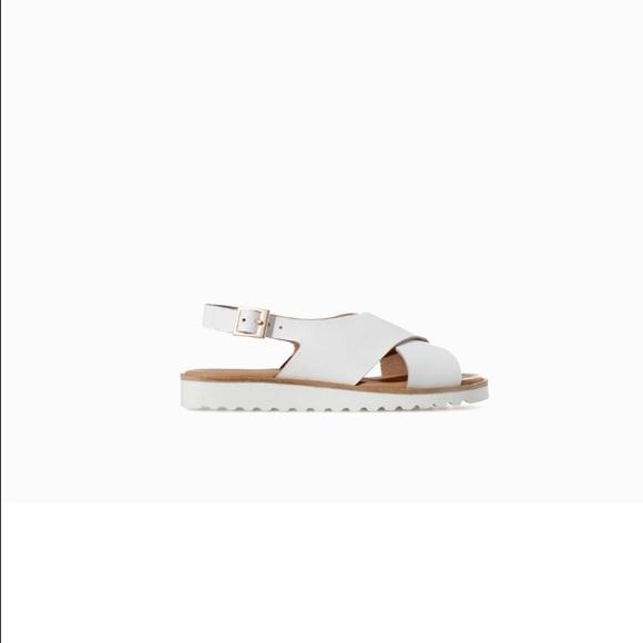93737a2dabbc ZARA white leather kids   girls Sandals. M 57bf35e84127d032e5007a39