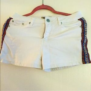 Blue Spice White Short Shorts with tribal print