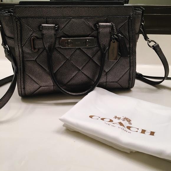 38229307e6f8 Coach Handbags - Coach Swagger Gunmetal Grey Leather Purse