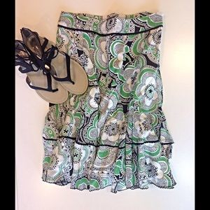 Fei Dresses & Skirts - Very comfy and cute flowered skirt.  Great Shape!