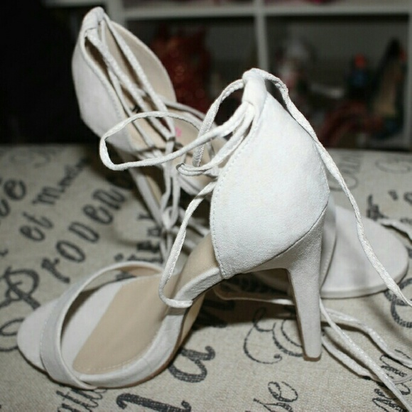 JustFab Shoes - Nude heels with lace up straps