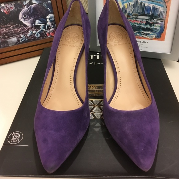 a0d77ac590e Tory Burch Greenwich purple suede pumps. M 57bf66ca56b2d6977b005f61