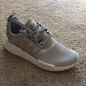 Adidas NMD Pink Salmon Women 's Size 8.5 (Clothing \\ u0026 Shoes) in