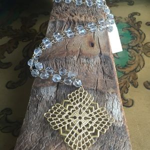 Jewelry - 🎉HP🎉Crystal beaded necklace w/ Filigree Pendant