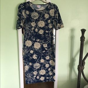NWOT Roses Xs Julia Dress