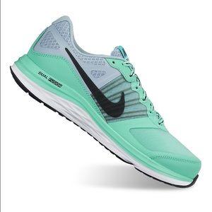 Nike Shoes - Women's Nike Dual Fusion X