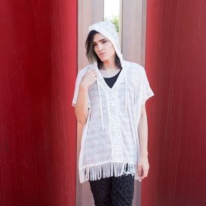 Rue21 Sweaters - 🌴White Vneck hood fringe top loose fit swim cover