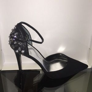 Nina Shoes - Beautiful ankle strap shoes