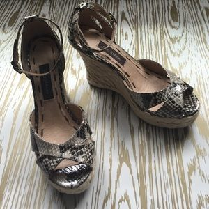 ruby & bloom Shoes - NWOT Ruby & Bloom sandals - Size 4.5