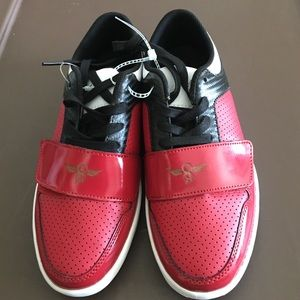 Creative Recreation Other - NWOT CREATIVE RECREATION BOYS YOUTH SHOES SZ 4.