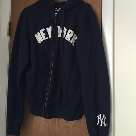 new arrival 12105 a10ca New York Yankees Full Zip Hoodie Womens