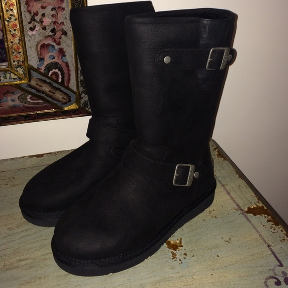 UGG Sutter Boots Size 7. RESERVED for ALICIA