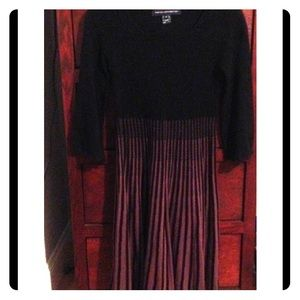 French Connection knit dress w 3/4 sleeves, Sz6