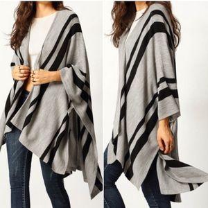 Color block loose cardigan/cape. Price firm.