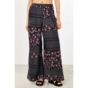 Ecote patch crossover wide leg pant