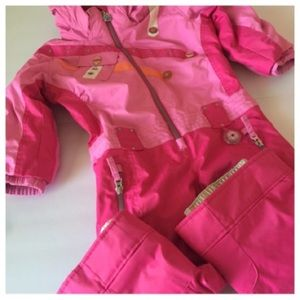 Obermeyer Other - Girls Obermeyer snowsuit with hood. size 3