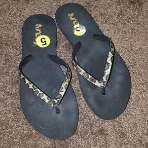 Reef Shoes - FINAL* REEF GLITTER LEOPARD FLIP FLOPS NWOT