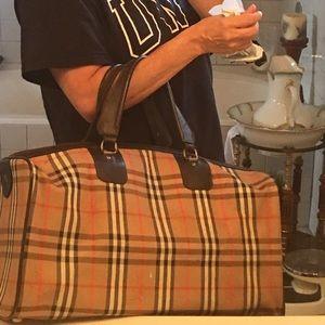 Burberry Handbags - Authentic Vintage (no code) travel bag lock/key
