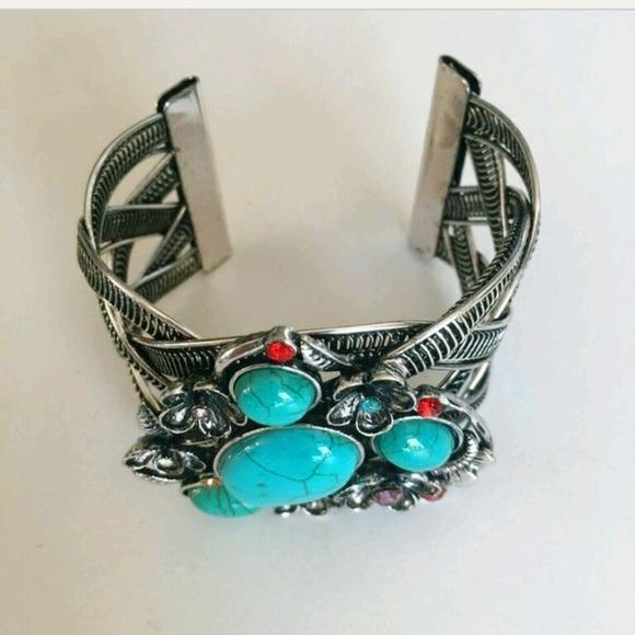 Jewelry - 💕💕😘🎉Host Pick Gorgeous Boho Turquoise Bracelet