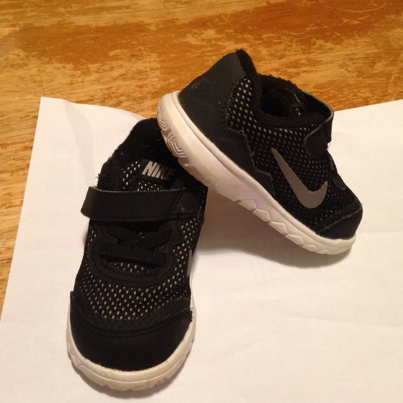 Nike Shoes   Kids Flex Baby Boy Size 5c