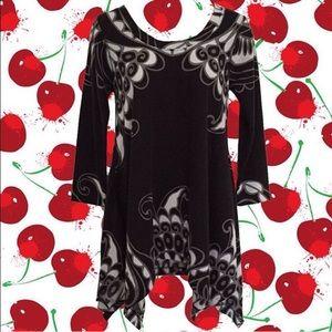 Philosophy Black & White Swirly Tunic Sweater Top