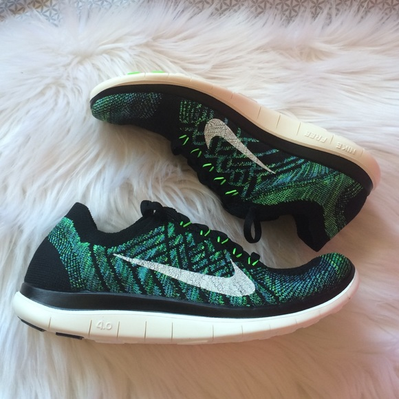 finest selection 555b6 eff02 Nike Free 4.0 Flyknit Sneakers NWT