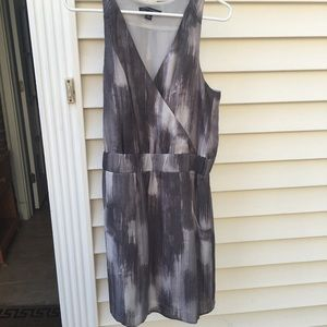 Banana republic size 8 dress with pockets!