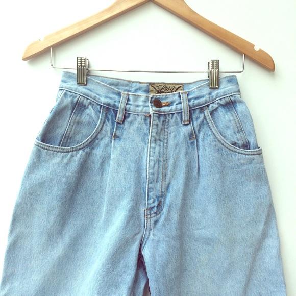 cdb1a1429cbf5 Limited Jeans Denim - Vintage light wash high waist mom jeans