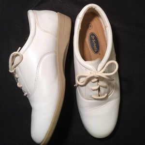 Dr. Scholl's Shoes - 💕Just In💕Dr. Scholl's White Leather Size 8W