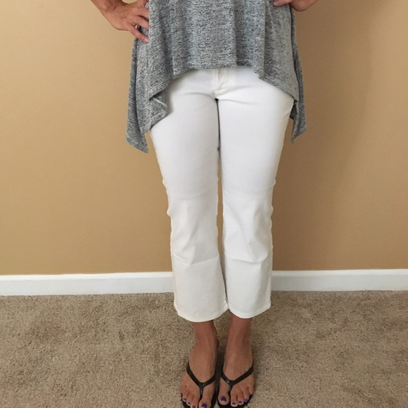 74% off Guess Pants - Guess ladies white capris NWT from Amy's ...